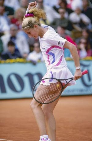 Le look des joueuses de tennis a bien changé entre 1900 et 2011…