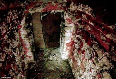 Les secrets d'une tombe maya révélés par une minuscule camera