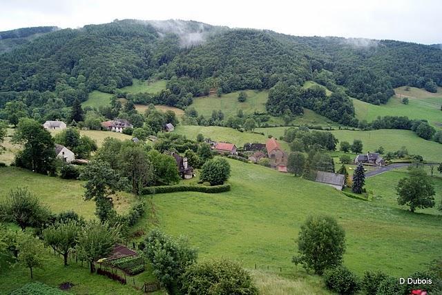 Tournemire .   Village du Cantal.  Joli village classé da...