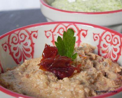 Amaranth & chia seeds crackers (gluten-free & eggless) with two dips – crackers aux graines de chia et amarante, avec deux dips