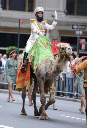 Funny_man_Sacha_Baron_Cohen_seen_riding_camel_XDG5abBu3bLl.jpg