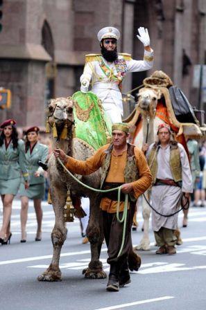 Funny_man_Sacha_Baron_Cohen_seen_riding_camel_L-EjlAox6kZl.jpg