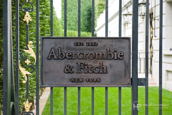 ouverture-abercrombie-fitch-paris.jpeg