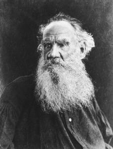 21-Tolsto%C3%AF-photographi%C3%A9-par-Vladimir-Tchertkhov-en-1906.[1].jpg