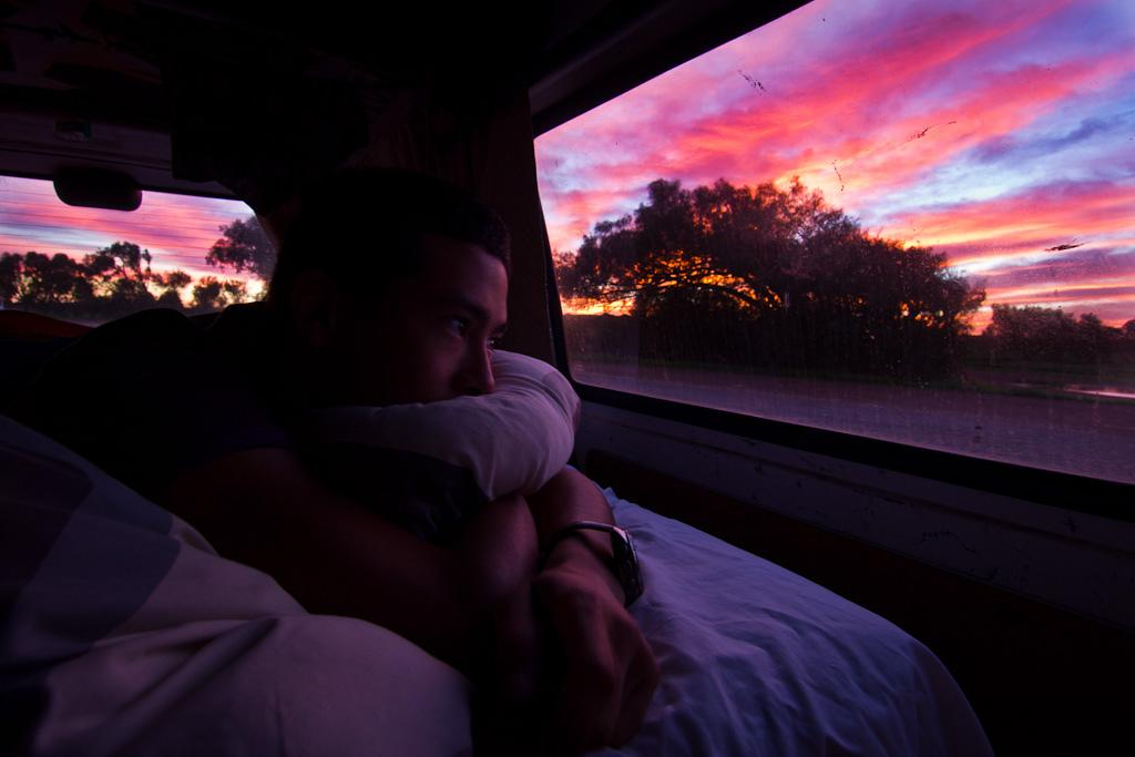 J55 / Détail du quotidien : Les levers du soleil dans le van
