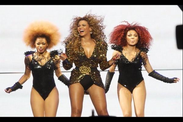 Beyoncé met le feu à Glastonbury !