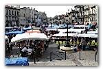 Le marché St-Michel se trouve une place