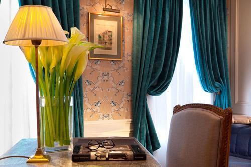Hotel-de-Buci-Paris-Photo-Christophe-Bielsa-Bureau-chambre-de-Maitre-hoosta-magazine-paris