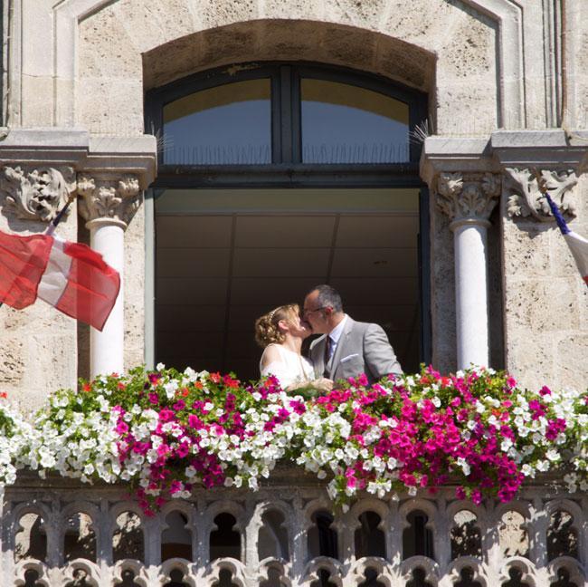 Mariage au balcon, bonheur dans la maison !