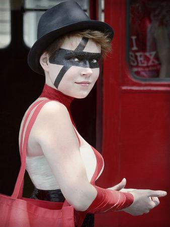 Red_Black_Girl_Daaram