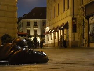 D'akujem Bratislava. Dobrú noc a zbohom *