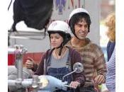 Sacha Baron Cohe, Anna Faris eten moto Manhattan