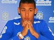 Neymar Affronter Barça avec Santos