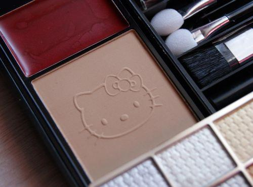 Maquillage Hello Kitty 1.JPG