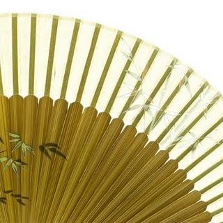 L'art à la portée de main - éventail coréen en soie et en bambou