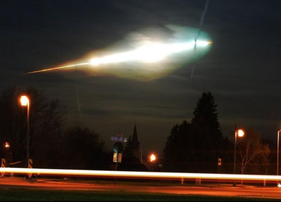 Une mystérieuse explosion dans le ciel breton le 19 juillet matin, le coupable une météorite ? Mysterieuse-explosion-ciel-breton-19-juillet--L-H1iqK3