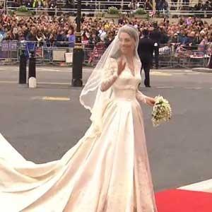La robe de kate cr e un malaise voir for Alexander mcqueen robe de mariage