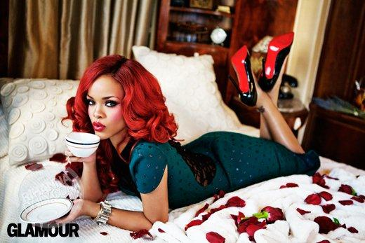 rihanna aime les hommes dominants au lit on s 39 en doutait paperblog. Black Bedroom Furniture Sets. Home Design Ideas