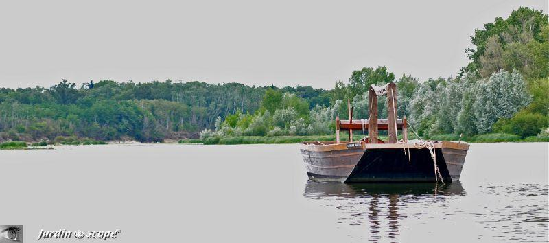 promenade en bateau traditionnel sur la loire paperblog. Black Bedroom Furniture Sets. Home Design Ideas