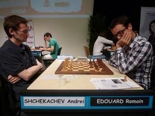 Echecs à Caen : Andreï Shchekachev (2537) 0-1 Romain Edouard (2587) © Photo FFE