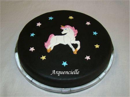 Gâteau Licorne étoiles
