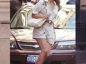 """Jennifer Lopez entourée d'hommes dans nouveau clip """"Papi"""""""