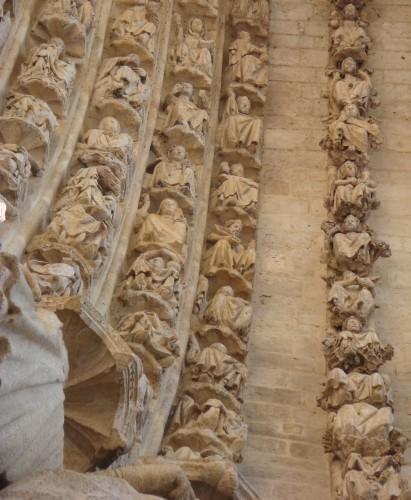Amiens - petites mains du Christianisme 2.JPG