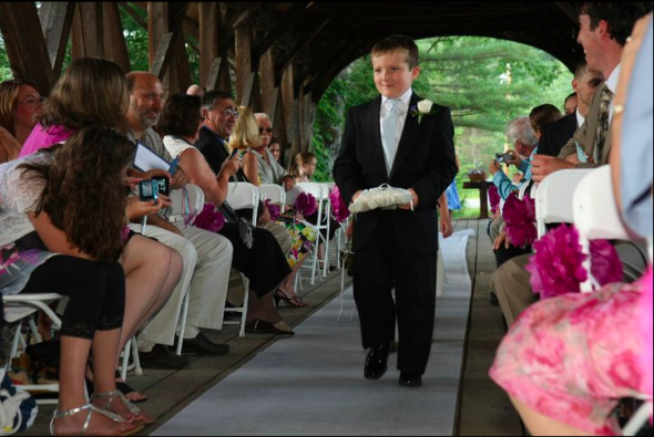 des pompons en papier pour decoration de mariage 192 lire