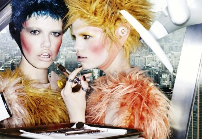 Daphne Groeneveld Hailey Clauson par Mario Testino pour Allure Magazine 3