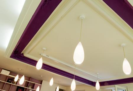 De lignes et de couleurs la r habilitation et la for Decoration sous plafond