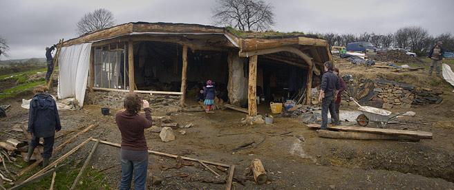 Des maisons hobbit irl d couvrir - Construire une maison de hobbit ...