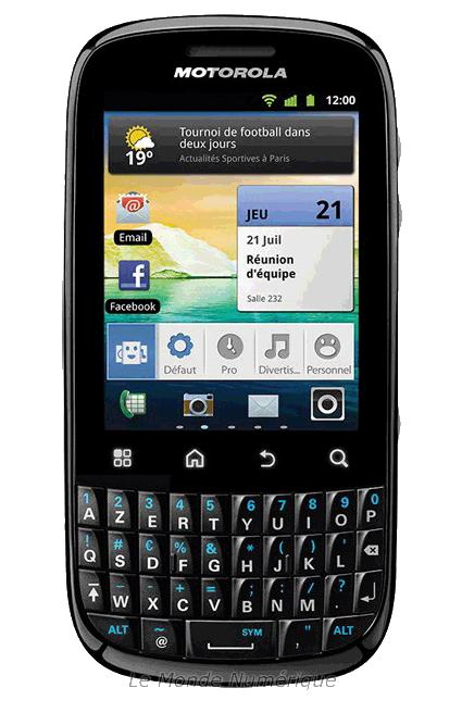 Test du smartphone Android avec clavier AZERTY Motorola ...