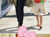 fille Jessica Alba robe Hello Kitty