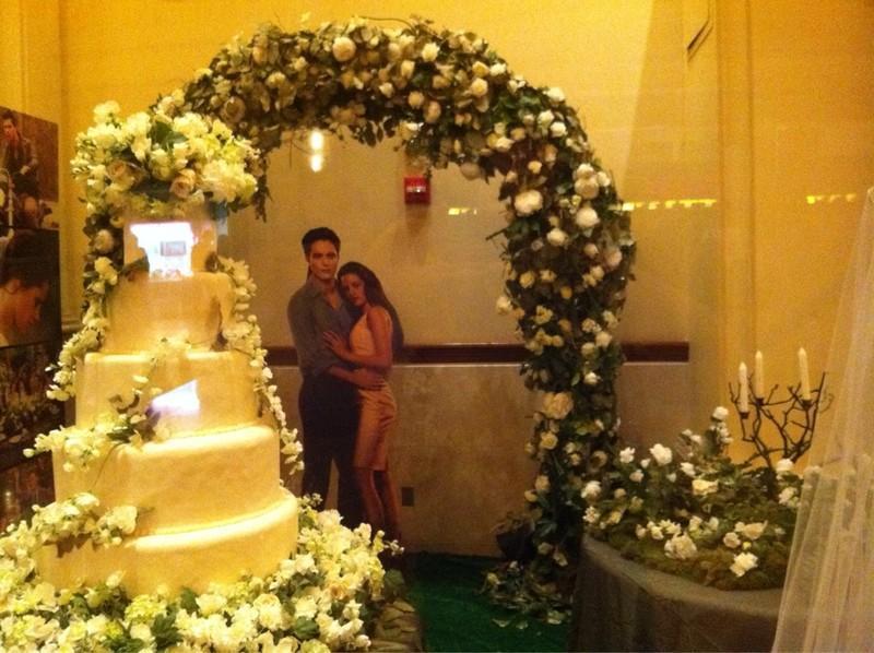 ... de photos du gâteau du mariage de Bella et Edward dans Breaking Dawn