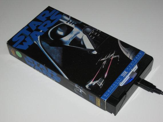 il 570xN.274229809 Une cassette VHS Star Wars recyclée en disque dur externe