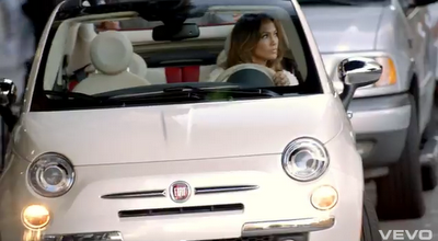 quand le clip vid o et le spot publicitaire ne font qu 39 un jennifer lopez pour la fiat 500. Black Bedroom Furniture Sets. Home Design Ideas