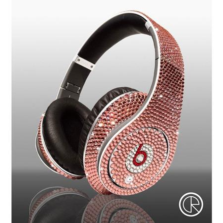 Limited-edition-Dr-Dre-Beats-Studio-Headphones-Swarovski-Light-Rose-1