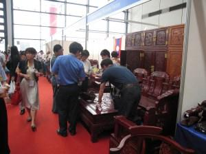 le meuble chinois et ses salons professionnels paperblog. Black Bedroom Furniture Sets. Home Design Ideas