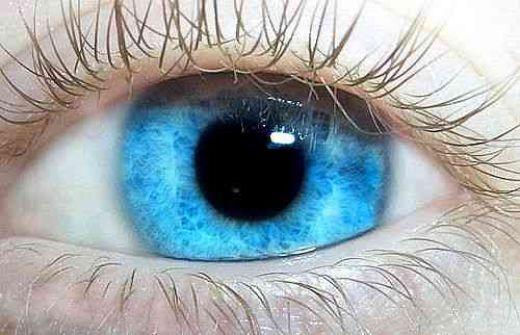 chirurgie au laser pour modifier la couleur des yeux paperblog. Black Bedroom Furniture Sets. Home Design Ideas