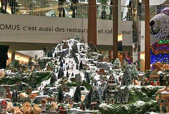 Le plus grand village miniature de no l jamais r alis voir - Village de noel miniature ...