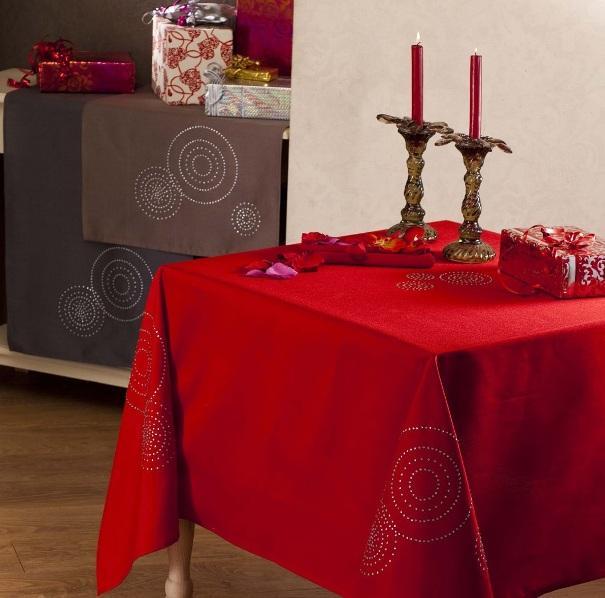 nydel de jolies nappes festives lire. Black Bedroom Furniture Sets. Home Design Ideas