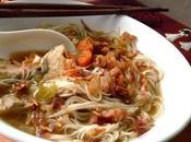 Soupe poulet vermicelles légumes (Indonésie)