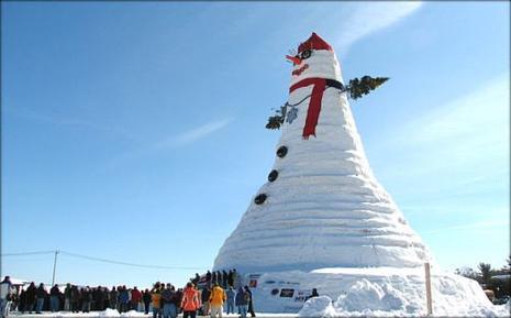 http://media.paperblog.fr/i/52/522408/bonhomme-neige-g233ant-L-1.jpeg