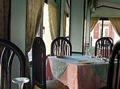 Lotus Restaurant, discret dans Souk