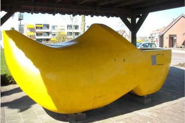 deux-tonnes-sabot-neerlandais-portes-dis