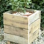 comment r aliser un bac fleur gratuitement avec des palettes en bois paperblog. Black Bedroom Furniture Sets. Home Design Ideas