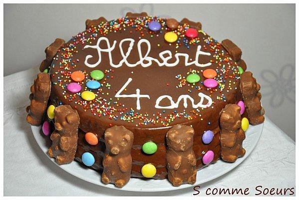 G Teau D 39 Anniversaire Pour Enfant Au Chocolat Et Aux Bonbons Paperblog