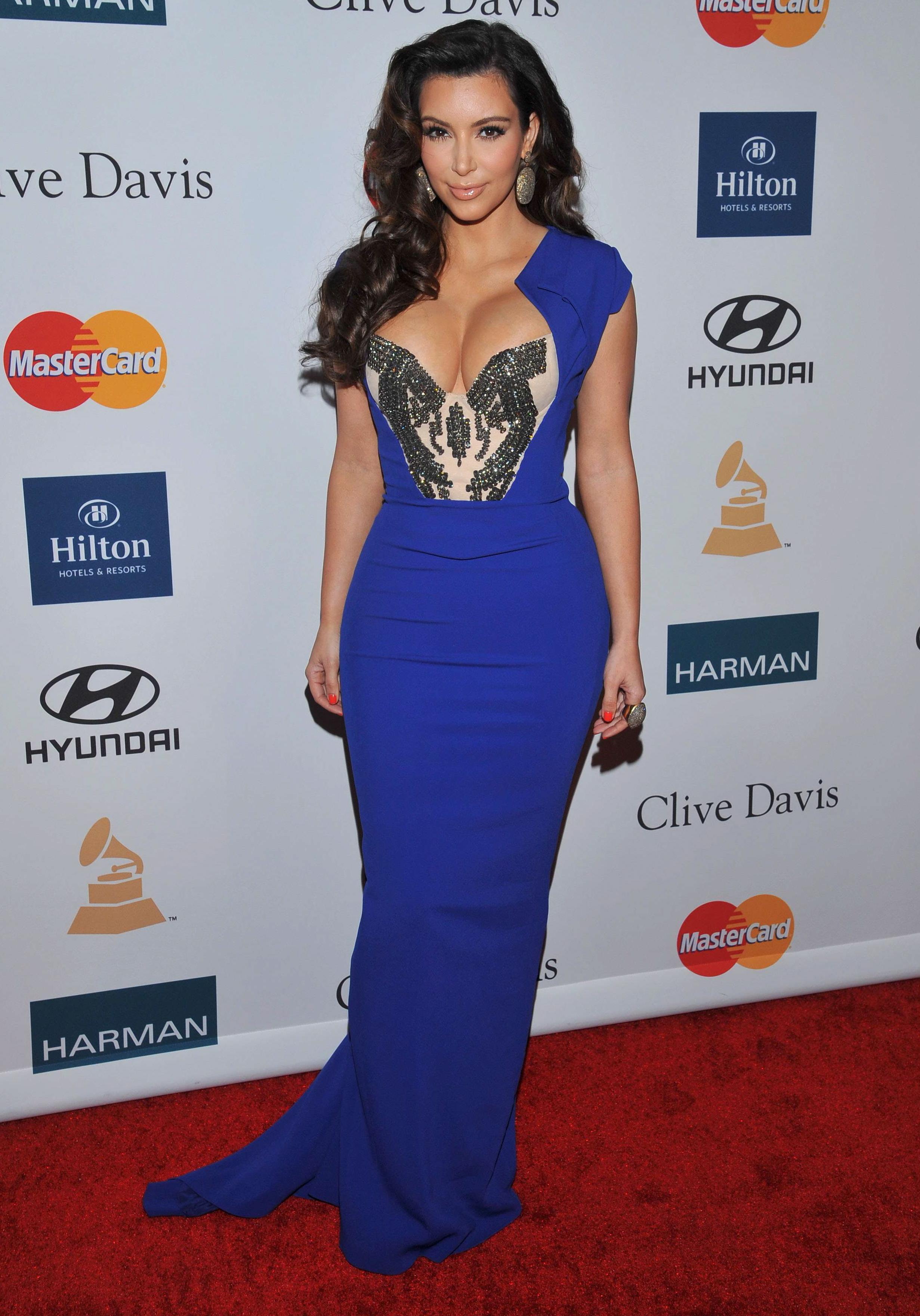 bombesque la robe de kim kardashian a la soiree des With robe de kim kardashian