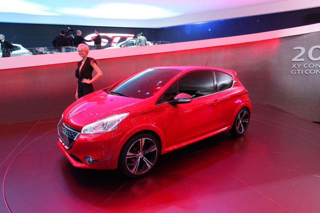 Peugeot occasion geneve peugeot suisse sondermodel for Offre d emploi salon de l auto geneve