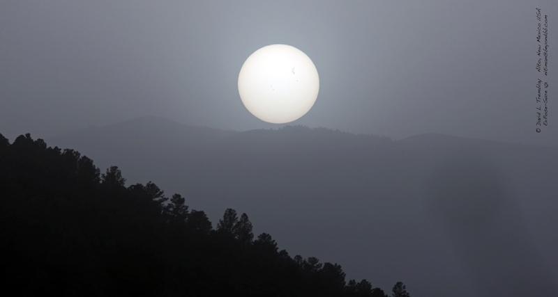 lenorme-tache-solaire-ar-1429-photographiee-s-L-3vbcRf